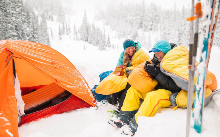 Choose a Best Sleeping Bag for Camping and Backpacking